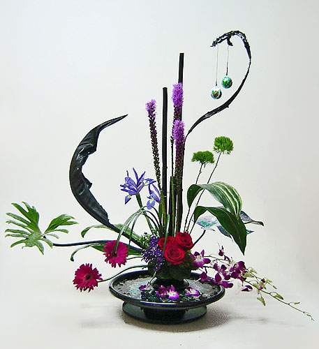 Corporate flower arrangements on pinterest contemporary for Flower arranging tips design